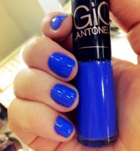 esmalte-giovanna-antonelli-azul-frio-na-barriga-makesbycelia-13190-MLB20073227812_042014-O