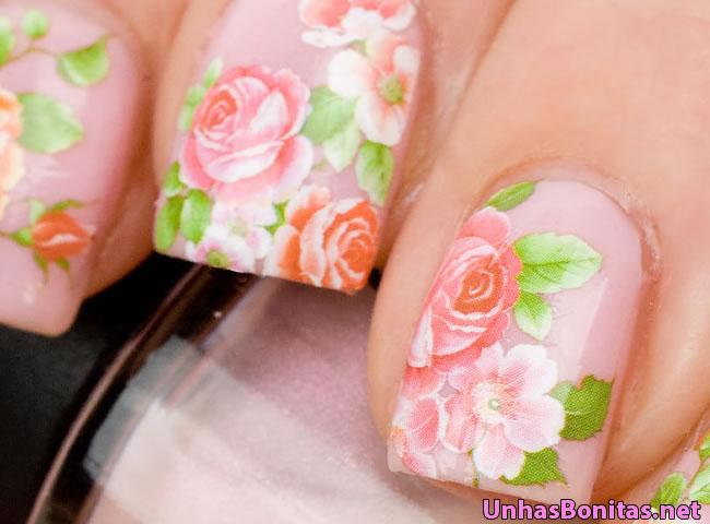 unhas decoradas com rosas 3